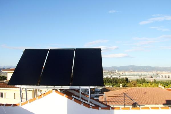 Equipo solar térmico instalado en Málaga