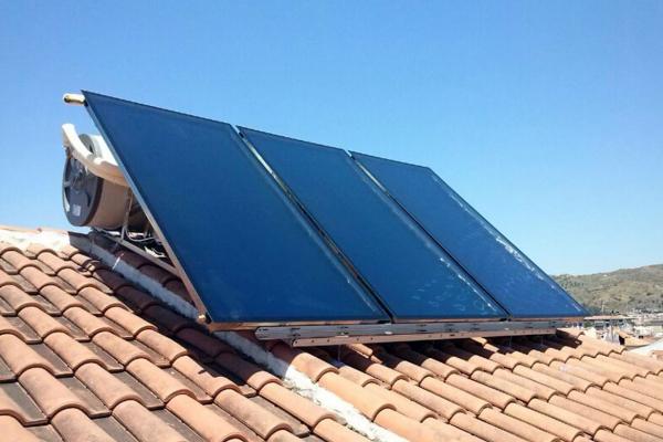 Instalacion de nuevos paneles solares en Cadiz